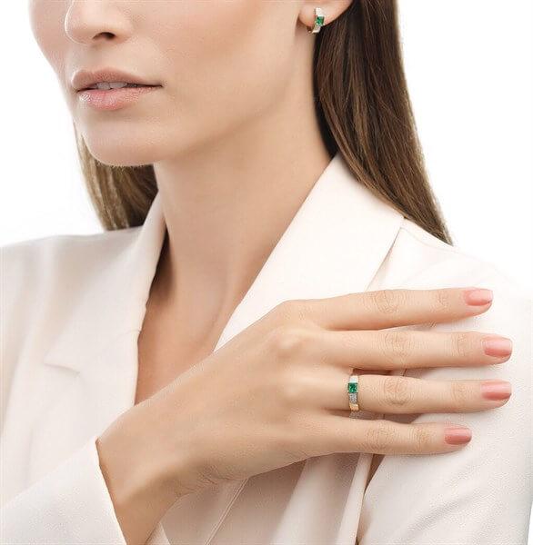Nhẫn vàng 14K đính Emerald và kim cương